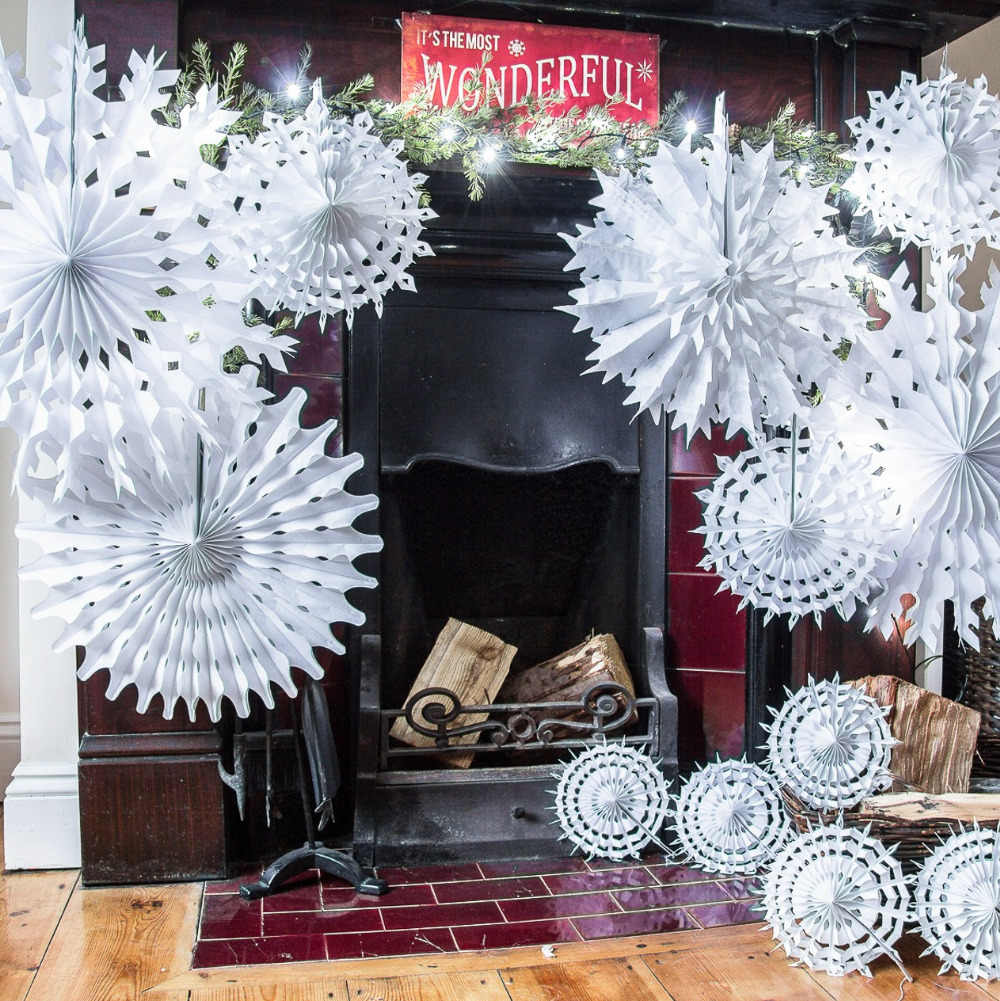 Cut-out Tissue Paper Snowflakes White Snowflake Fan Birthday Showers Weddings Winter Themed Parties Craft Ideas&Collection