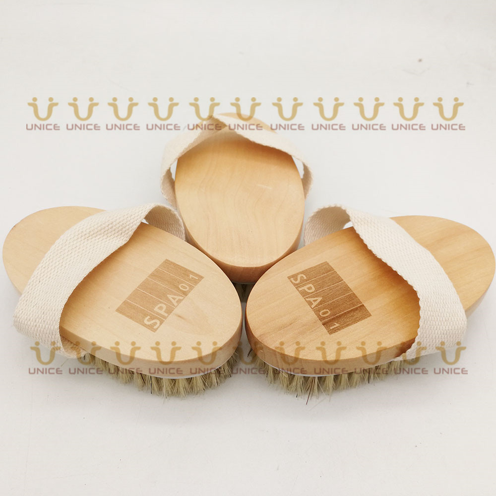 Купить с кэшбэком 100pcs/lot Boar Bristle Bath Brushes Body Brush Customized LOGO Wooden Handle Body Cleaning Brush for Shower Promotional Gift