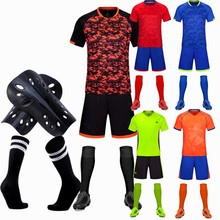 efae94cf4 I bambini di Età di Calcio Maglie Ragazzi Set Calcio Uniformi di gioco del  Calcio di Calcio Dei Capretti Tuta sport di Squadra c.
