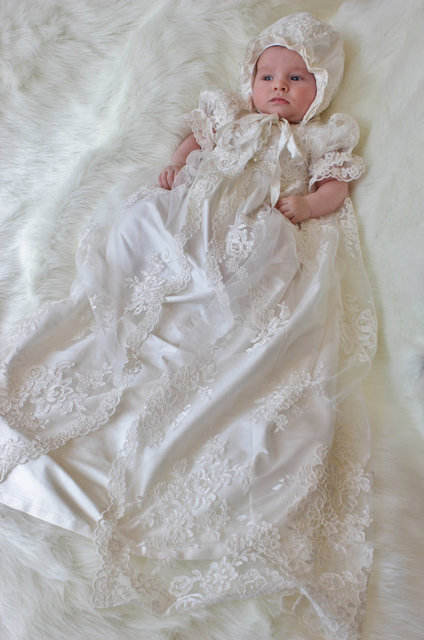 6dc79cc5af2a Vintage baptism dresses for the newborn baby boy girl long white ivory lace christening  gowns with bonnet