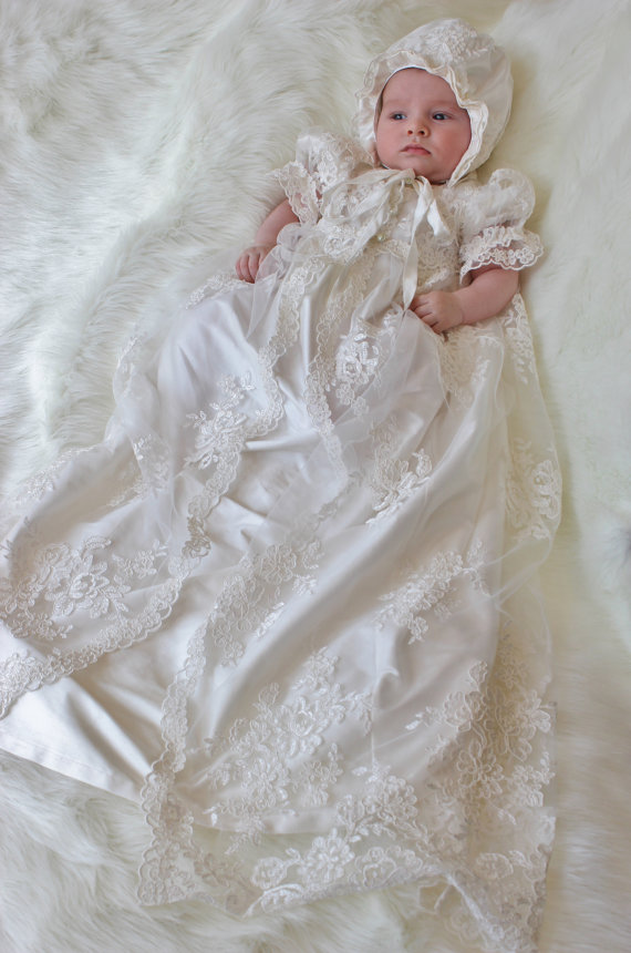 Vintage baptism dresses for the newborn baby boy girl long white ivory lace christening gowns with bonnet