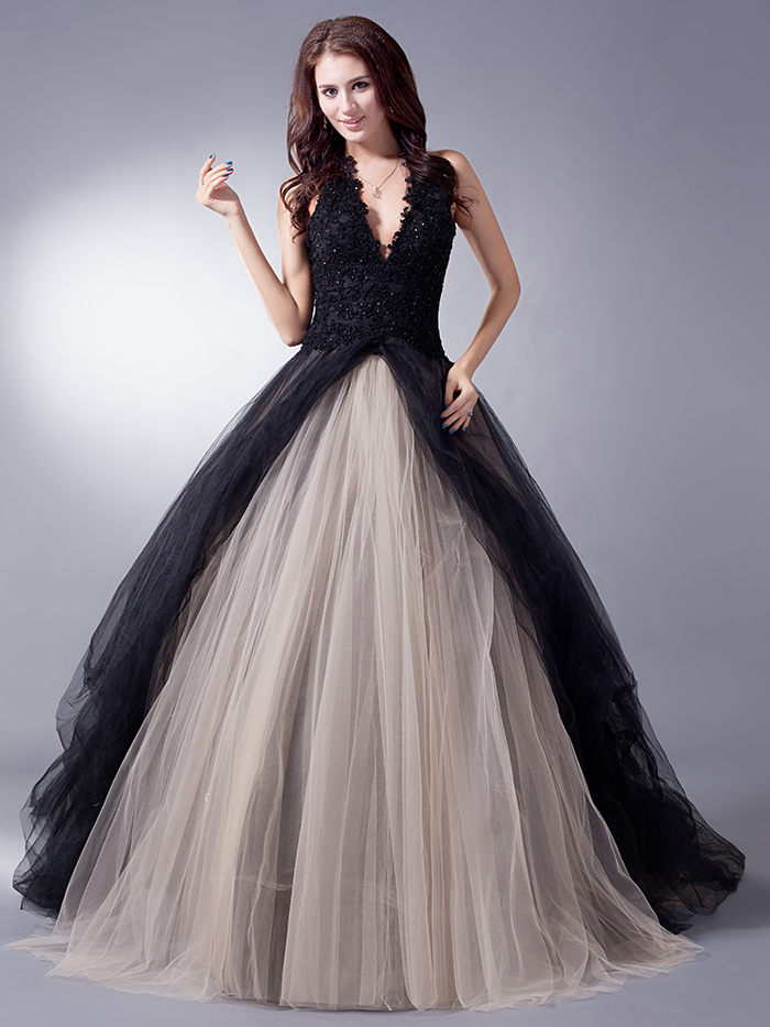 Cecelle 2016 real gothic black ball gown wedding dresses for Halter ball gown wedding dresses