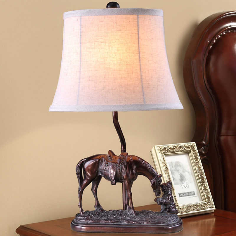 Resin Lamp Retro The horse drinking water Table Lamps For Living Room Bedroom Bedside Table Lamps Antique Desk Lights american style retro desk light wooden base led lamp cafe bar table lamps bedroom industrial water pipes art deco lighting