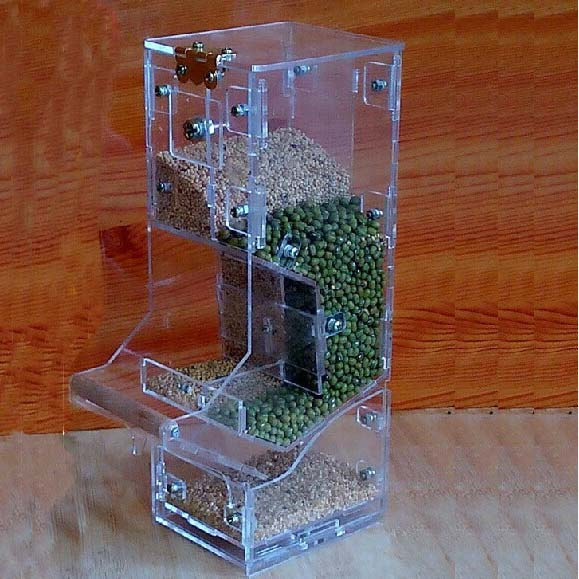 Tidy Seed No Mess Bird Feeder Parrot Food Container