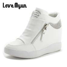 Модные кроссовки; женские кожаные ботинки, визуально увеличивающие рост; женская обувь на высоком каблуке; цвет черный, белый; шикарная обувь на молнии; обувь на платформе; WW-24