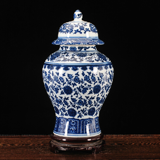 Chinese Antique Qing Qianlong Mark Blue And White Ceramic Porcelain Vase Ginger JarChinese Antique Qing Qianlong Mark Blue And White Ceramic Porcelain Vase Ginger Jar