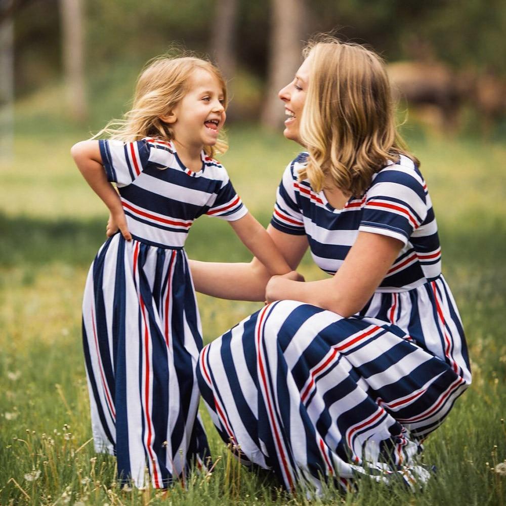 5576d2ead Telotuny الأسرة مطابقة تتسابق الزهور مخطط الأم و لي الملابس الأم ابنة  مطابقة فساتين روبا ماما