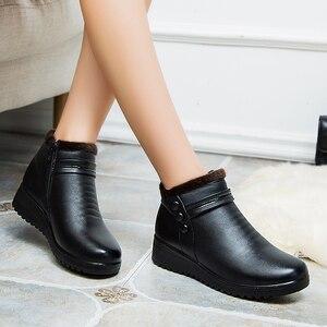 Image 2 - GKTINOO 2020 Mode Winter Stiefel Frauen Leder Knöchel Warme Stiefel Mom Herbst Plüsch Keil Schuhe Frau Schuhe Große Größe 35 41