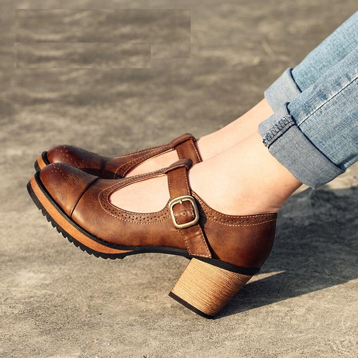Mode britannique style vintage femmes chaussures à talons hauts chaussures  épais plate forme de talon chaussures de dame de la mode dans Pompes de  femmes de