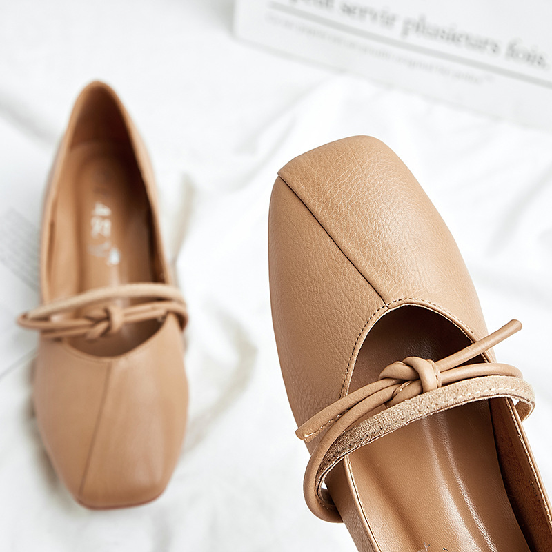 2018 New Women Shoes Pumps Mary Janes Middle Heels Woman Synthetic Leather  Casual Shoes Fashion Classics Retro Square Toe Style-in Women s Pumps from  Shoes ... 7ae1259db71