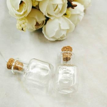 10 sztuk partia Mini szklane butelki prostokąt słodkie butelki z korka małe butelki prezent tiny słoiki fiolki wisiorek perfumy butelki oleju tanie i dobre opinie NoEnName_Null Muzyka square shape Europa Szkło