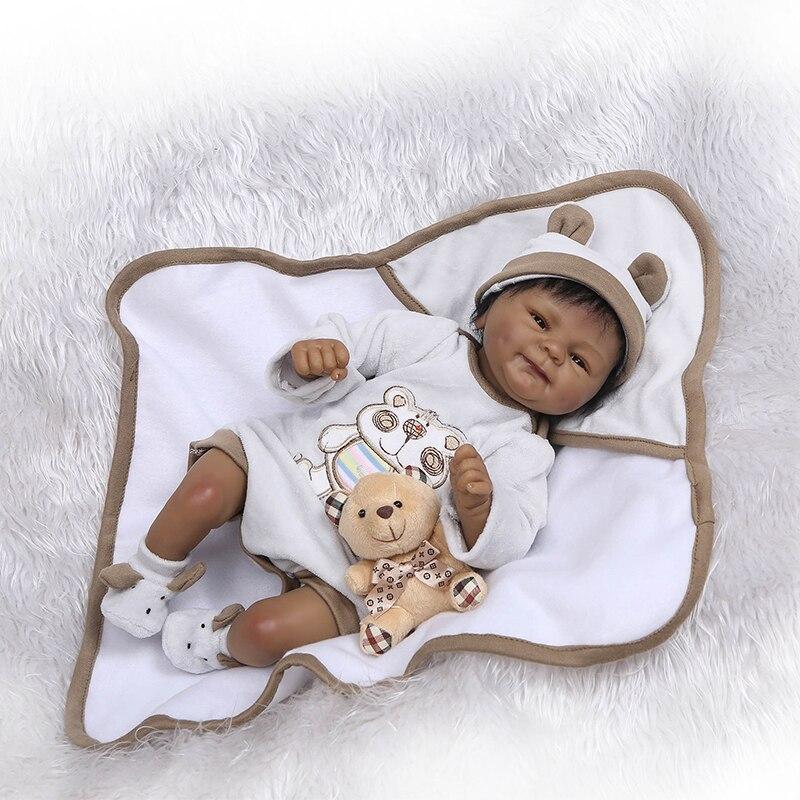 Nicery 16 pouces 40 cm peau sombre Reborn bébé poupée en Silicone souple réaliste jouet cadeau pour enfants sourire bébé blanc vêtements ours brun-in Poupées from Jeux et loisirs    2