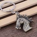 O novo atacado Metal Keychain pequeno presente pingente cavalo criativo Chaveiro cavalo de jóias finas