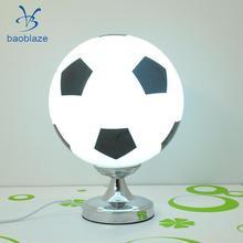 Творческий Футбол футбольный мяч настольная лампа прикроватный светильник Украшения в спальню 220V штепсельная вилка европейского стандарта(без светильник источник