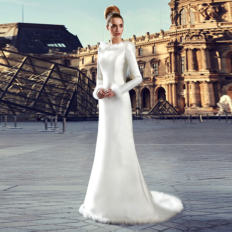 Modest Warm Fur Winter Wedding Dress Long Sleeve Christmas