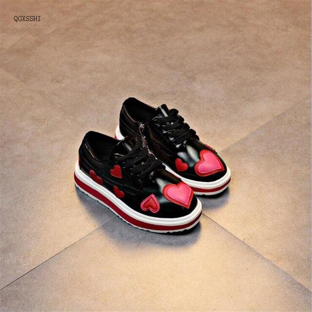 QGXSSHI 2017 moda autunno scarpe ragazze amore cuori di Marca di Alta  Qualità per bambini studente 1b8b83c23e0