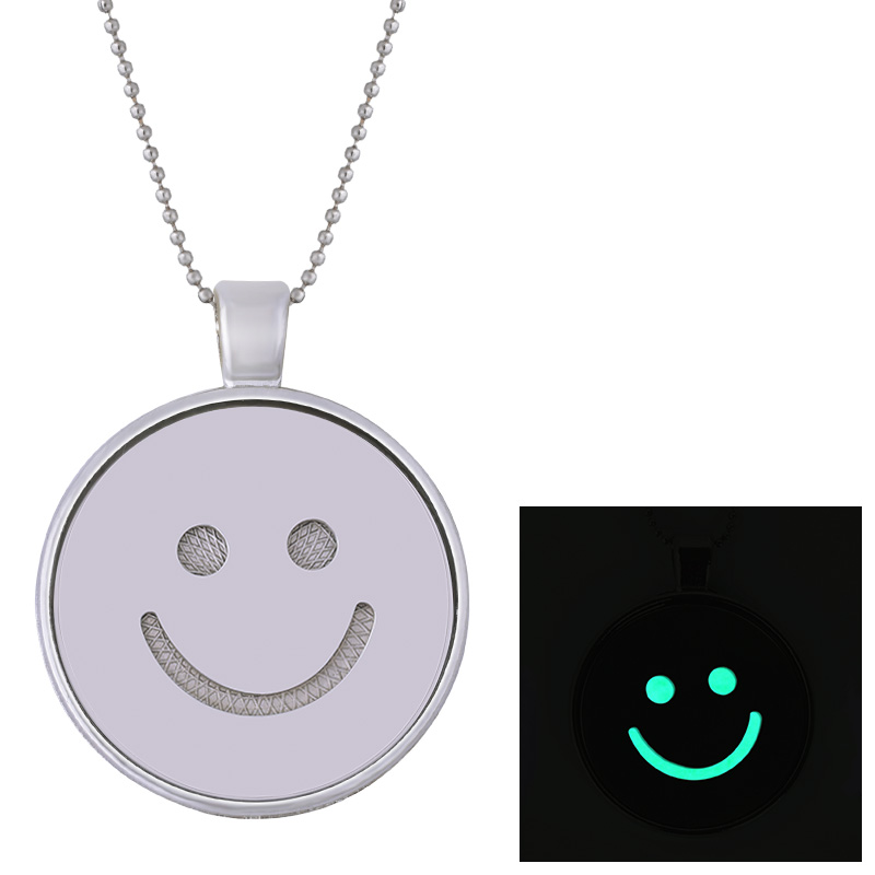 Houbian Expression Package Glow Necklace Cute Smiley Stainless Steel Luminous Necklace in the Light