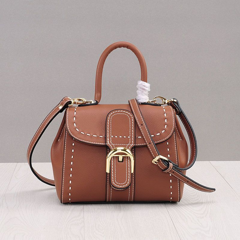 купить LOEIL Korean version of the retro leather handbag simple shoulder leather small square bag sewing thread Messenger bag по цене 5090.29 рублей