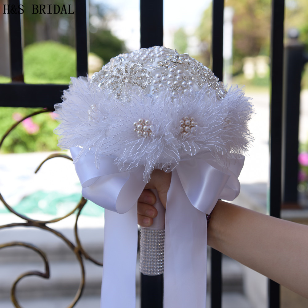 H&S BRIDAL European Style White Lace Wedding Flowers Bridal Bouquets With Crystal Pearls Ramo Boda Bridesmaid Flower Bouquet New