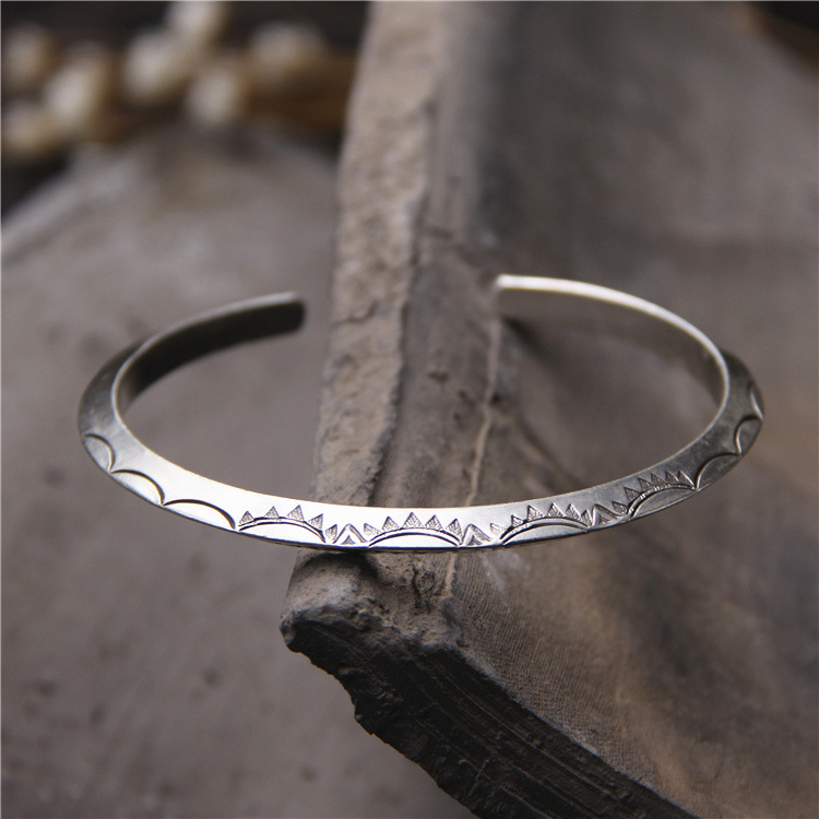 old hand silver bracelets male woman Character carving grain shedding sterling silver bracelets restoring ancient waysold hand silver bracelets male woman Character carving grain shedding sterling silver bracelets restoring ancient ways