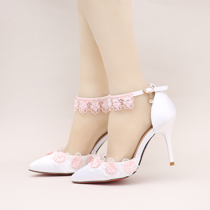 ФОТО White satin face pointed high with wedding shoes Pink lace flowers with fine bridal shoes Wristband toast shoes