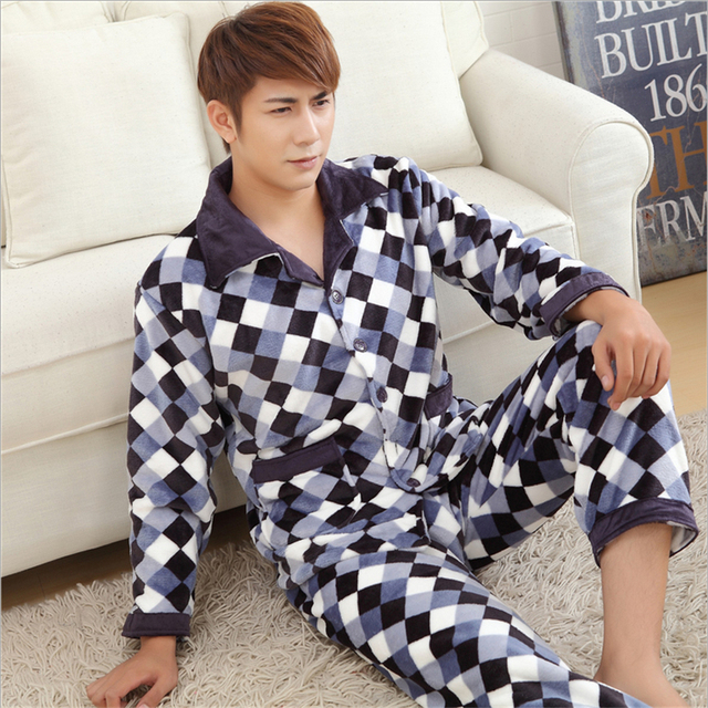 New Men Fashion classic style Flannel Pajamas suit Lattice trend apparel Coral cashmere Long sleeves lapel Home clothing