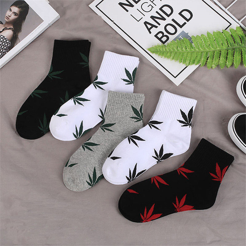 New Winter Autumn Cotton Harajuku Skateboard Hip Hop Maple Leaf Socks Women's Street Boat Socks For Female Girl Funny Socks