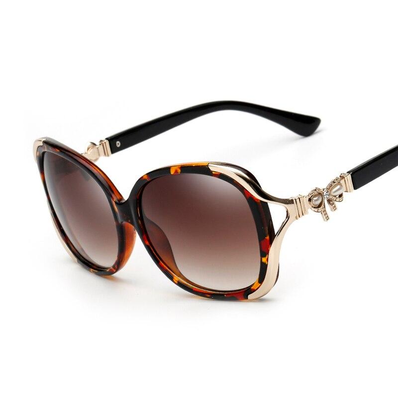 9ca7e019df17a 2017 Luxury Women Sunglasses Fashion Round Ladies Vintage Brand Designer  Oversized Female women Sun Glasses