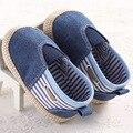 2017 Del Otoño Del Resorte Del Bebé Antideslizantes para el Azul De Mezclilla de Moda Mocasines de Suela Suave Bebé de Interior Zapatillas