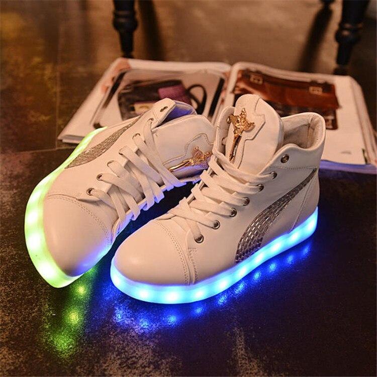 Nouvelle Mode Coloré LED Chaussures lumineuses pour adultes Hommes Femmes USB Charge Clignotant lumières Couple Sneakers El1RZYce