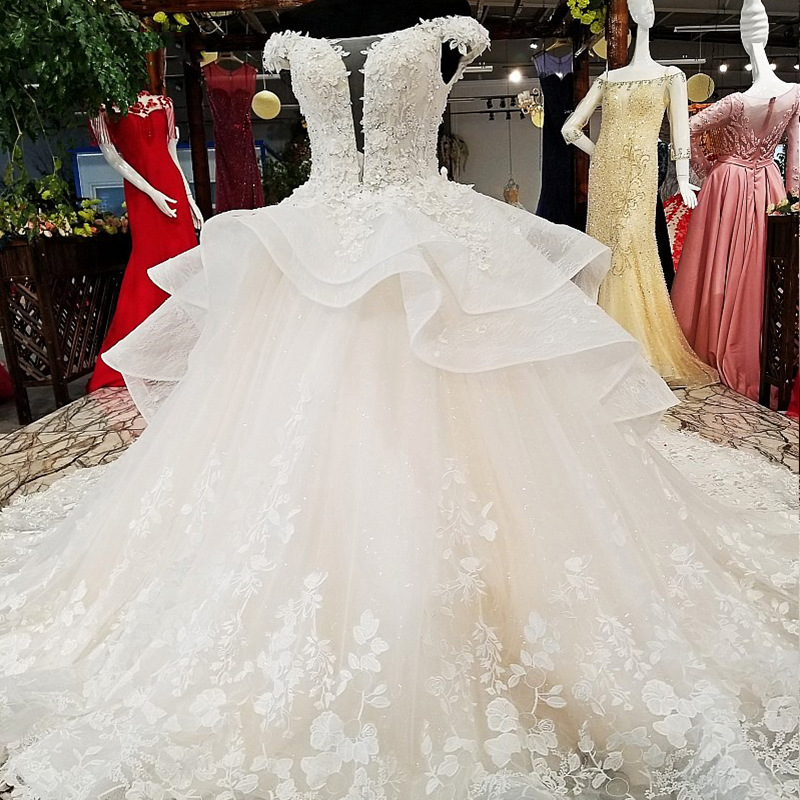 Vivian's Bridal Deep V-neck Illusion Mesh Ruffle Wedding Dress Boat-neck Lace-up Sequin Flower Appliques High-end Bridal Gown