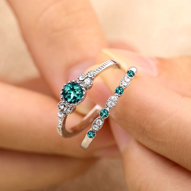 Glittering Green Stone Crystal Rings (2pcs)