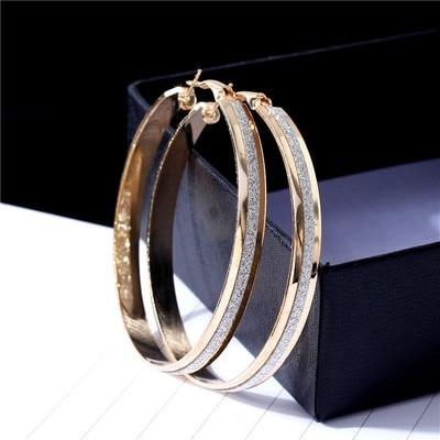 ecd4ff264380 Partido caliente moda pendientes redondos grandes del aro círculo arenoso perforado  simple elegante plateado oro
