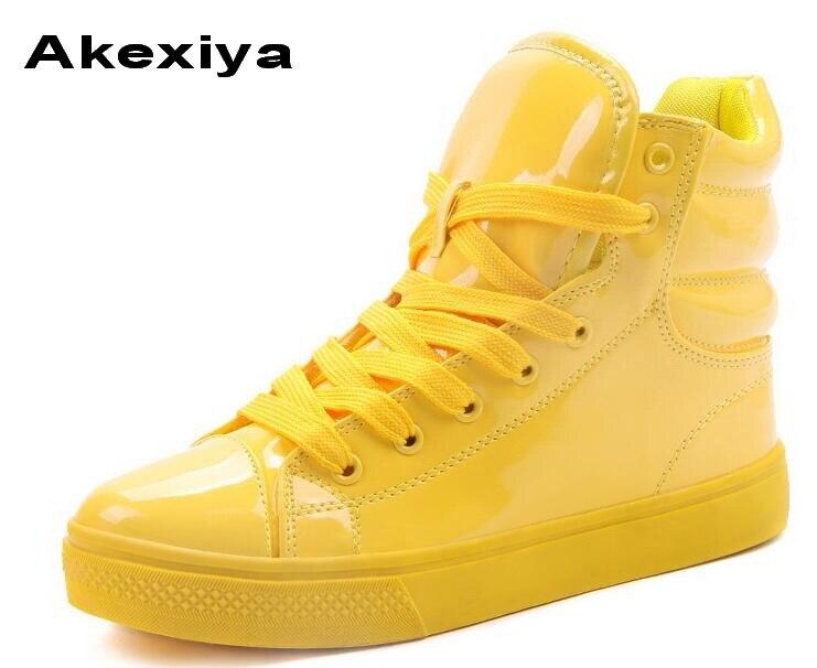 Prix pour Akexiya 2017 Nouveau style superstar Fluorescent Couleur Bonbons Colorés En Cuir Verni PU Chaussures