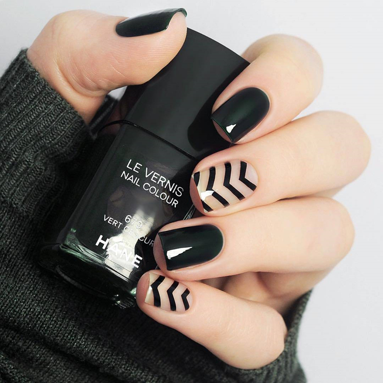 Nail Art Games For Girls On The App Store: Beautiful Black Pure Color With Stripped Pattern Fake