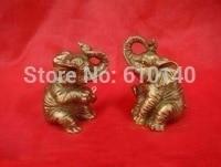 A pair of cute little bronze elephant statue