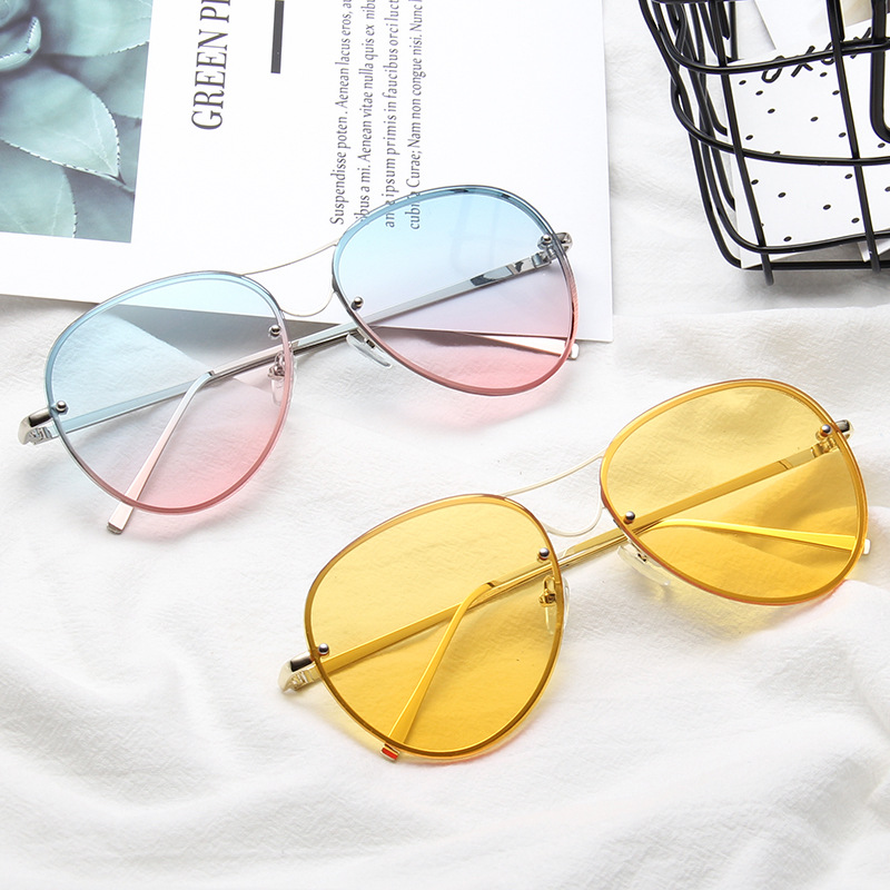 ba5da047d5b86 Aliexpress.com   Buy Fashion Oversized Pilot Sunglasses Women Men Ocean  Transparent Sun Glasses Candy Color Eyewear Yellow Clear Lens Glasses from  Reliable ...