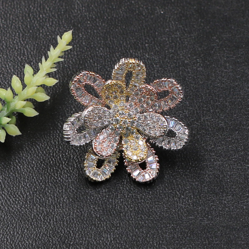 Lanyika Fashion Jewelry Winter Hollow Delicate Flower Brooch Pin for Girls Woman Banquet Daily Micro Paved Zircon Popular Gifts in Brooches from Jewelry Accessories