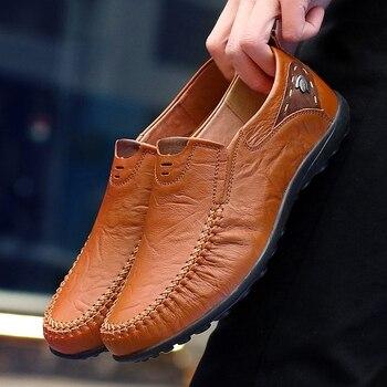Nuevos 2019 zapatos casuales de hombre deslizarse en los mocasines de primavera y otoño para hombre mocasines de cuero genuino zapatos planos de hombre grandes tamaño 35-47