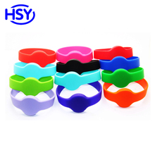 RFID silicone wristband With 125Khz EM ID Proximity TK4100 or 13.56Mhz Compatible S50 1K HF IC MF Access Control Card Chips цена и фото