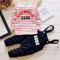 Conjunto de Roupas de bebê Menino 2015 Outono/Inverno de espessura Carta Imprimir Camisa de Manga Longa E Calça Roupas Para Bebês Infantil roupas Conjuntos