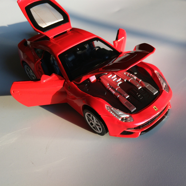 Christmas & New Year Gift F12 Scale Metal Diecast Figure Model Car Toys Eletric Alloy Pull Back Drift Rally Classic Car Miniatures