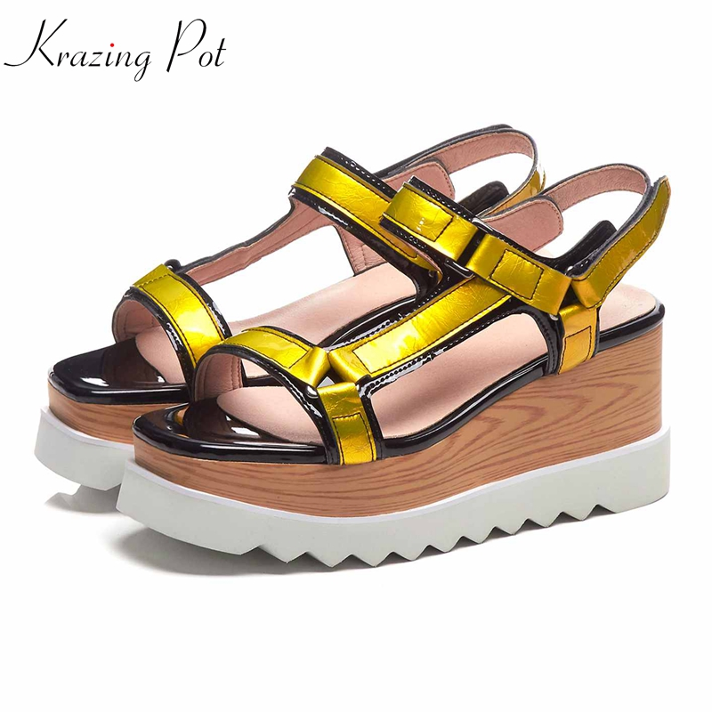 Krazing pot chic design patent genuine leather wooden high heel streetwear hook loop European platform cozy vacation sandals L10Krazing pot chic design patent genuine leather wooden high heel streetwear hook loop European platform cozy vacation sandals L10