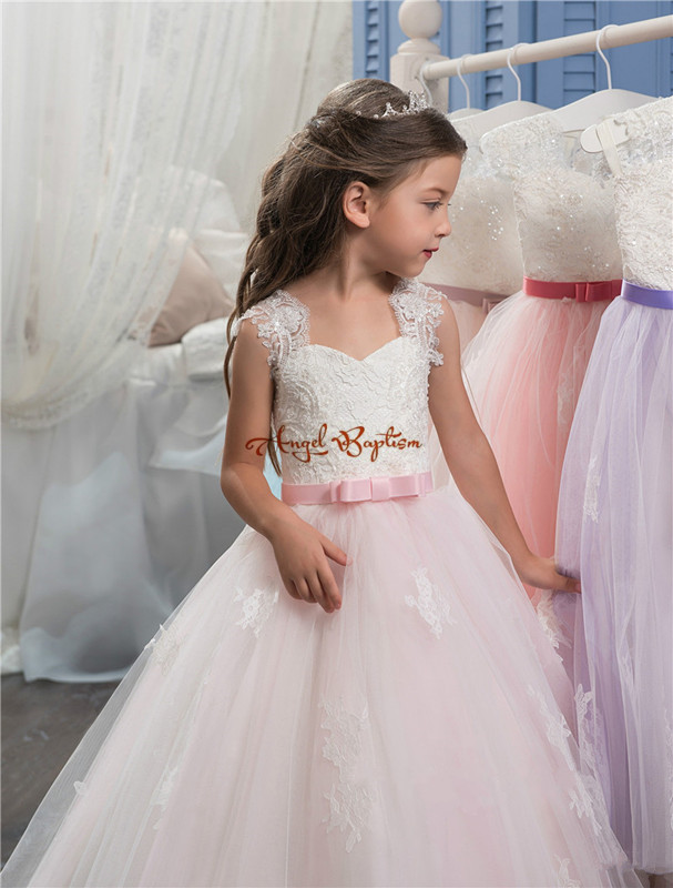 2017 New Arrival pink and white Princess ball gown flower girls dresses appliques bow pageant gowns for kids wedding party new arrival girl ball gown princess dress pink bow short sleeve pageant flower girls dresses long for children prom gown ad 1671