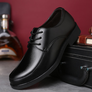3c7a86e4 2018 Nuevo Negro hombres zapatos formales Otoño Invierno hombres zapatos de  vestir marca hombres zapatos de cuero hombres clásicos negocios Caballero  grande ...