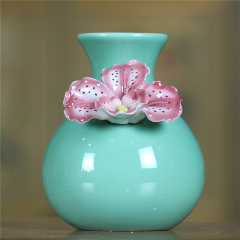 New Sale Creative Gifts Designs Chinese Porcelain Vases Carved For