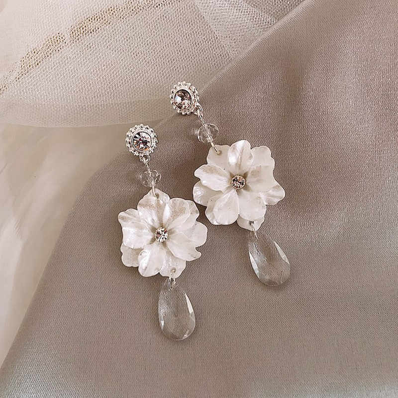 Dominated The new 2019 Vintage flower small pure and fresh and fashion personality crystal long Women Drop earrings