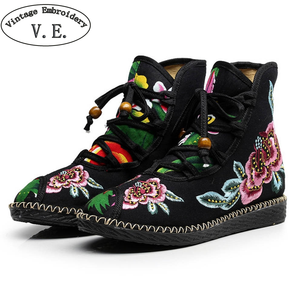 Chinese Autumn Winter New Chinese Women Boots Flower Embroidered Shoes Ethnic Lace Up Shoes Woman Snow Booties Botas Mujer flower embroidery bridal winter chinese lace up women ankle boots medium heel embroidered red satin wedding booties stiletto