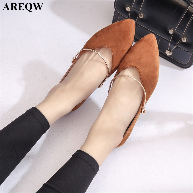 2017 new summer flat shoes European and American shoes comfortable breathable shallow mouth fashion shoes 2017 the new european american fashion horn bow pointed mouth shallow comfortable flat sheet metal red shoes tide size 35 41