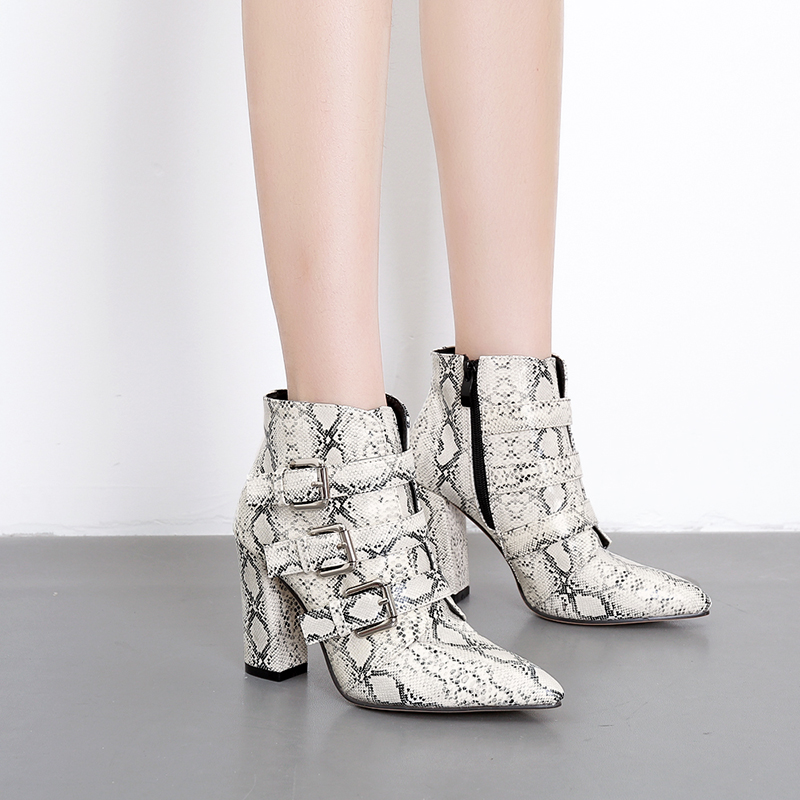 цена Snake print Pointed toe Boots Woman Shoes fashion Zipper Ladies Winter Booties Buckle Sexy High heel Ankle Boot Zapatos de mujer